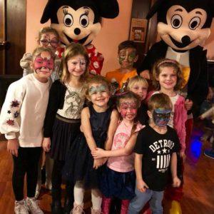 Sofinka a Olík slaví narozeniny s myšákem a myškou